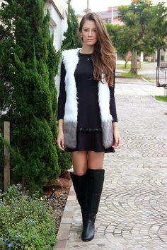 colete de pele - look - blog - moda - porto alegre - vestido de manga longa - bota longa