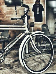 Design Room -Vintage Bike- Strength Room Design Room, Health Fitness, Strength, Bicycle, Gym, Club, Living Room, Vintage, Bike