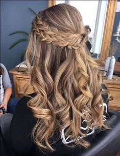 10 Most Popular Half Up Half Down Curly Hairstyles : Trendy Hairstyles For Women - Half Up-Half Down Hairstyles - Hair Styles Down Curly Hairstyles, Braid Hairstyles, Trendy Hairstyles, Wedding Hairstyles, Hairstyle Ideas, Hair Ideas, Amazing Hairstyles, Popular Hairstyles, Teenage Hairstyles