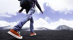 人生を見つける旅へ生きる目的を探してみないかネット普及による情報収集が容易になり、今やボクらは世界のどこへでも好きなように、自在に旅ができるようになった。好奇心に胸を膨らませて異国の地へと足を踏み入れれば、エキゾチックで刺激的な体験や驚きの発見がボクらを待っている。 今回はすべての旅好きに捧ぐ、「一人旅が素晴らしい15の理由」を紹介したい。01.自分の意志で行動できるどこへ行くにも、何を食べ...