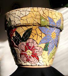 Big mosaic pot - WIP 3 ready for grouting Mosaic Planters, Mosaic Garden Art, Mosaic Tile Art, Mosaic Vase, Mosaic Flower Pots, Mosaic Artwork, Pebble Mosaic, Mosaic Diy, Mosaic Crafts