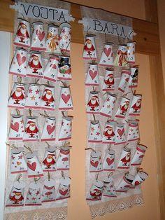 Adventní kalendář 1st Christmas, Christmas Wreaths, Christmas Decorations, Holiday Decor, Christmas Knitting, Calendar, Scrap, Home Decor, Advent Calendar
