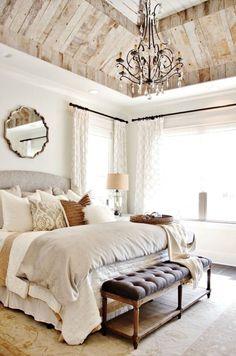 Спальня в  цветах:   Белый, Светло-серый, Бежевый.  Спальня в  стиле:   Неоклассика.