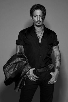 Johnny Depp is Numéro Homme's fall 2017 cover star. The Hollywood legend connects with photographer Jean-Baptiste Mondino. Johnny Depp Fans, Here's Johnny, Johnny Depp Tattoos, Marlon Brando, Gossip Girls, Hot Actors, Actors & Actresses, Jonh Deep, Johnny Depp Pictures