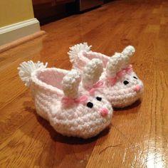 Bunny Baby Slippers By Teri Heathcote - Free Crochet Pattern - Photo By DGrabski88 On Ravelry - See http://www.ravelry.com/patterns/library/bunny-slippers-6 For Additional Projects - (knotyournanascrochet) ༺✿ƬⱤღ  http://www.pinterest.com/teretegui/✿༻