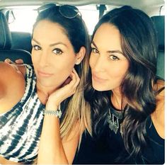 I love the Bella Twins they r my idol and I think that Nikki Bella is a great divas champion #LOVE THE BELLA TWINS❤️❤️ #TEAM BELLA ALL THEY WAY ❤️❤️❤️