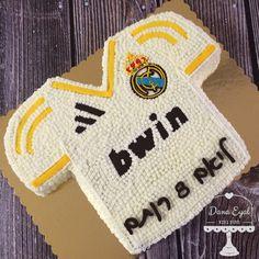 Barcelona t-shirt decorated cream cake