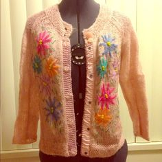 Cardigan with bright flowers The light pink fabric has a metallic gold in it. Snap buttons. Lightweight. I wear it with jeans but also dress it up for work. Perfect for SPRING! Forever 21 Sweaters Cardigans