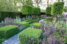 Chelsea 2016 - The Husqvarna Garden designed by Charlie Albone: Silver Gilt