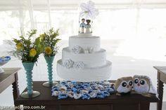 Casamento rústico. Casamento no campo. Decoração DIY. Bolo rústico. Casal de corujinhas.  Rustic wedding. Rustic cake. Owl couple.