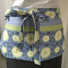 Utility Apron/Teacher Apron with 8 pockets and loop in
