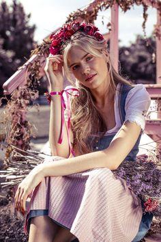 We-Are-Flowergirls-Country-Collection-Flowercrown-Rosa-€159,– #dirndl #dirndlfrisur #trachtenfrisur #flowercrown #blumenkranz #wiesn #wiesnfrisur Flower Crown, Country, Collection, Fashion, Pink, Floral Wreath, Flower Headdress, Moda, Rural Area