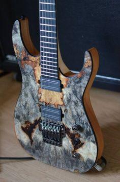 Une Keller très boisée. Retrouvez des cours de #guitare d'un nouveau genre sur https://www.mymusicteacher.fr !