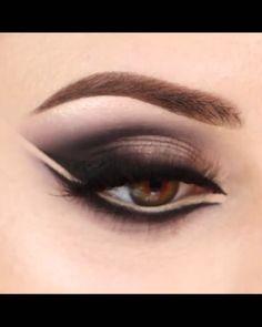 Smoke Eye Makeup, Black Smokey Eye Makeup, Eye Makeup Steps, Makeup Eye Looks, Cat Eye Makeup, Beautiful Eye Makeup, Eyebrow Makeup, Skin Makeup, Eyeshadow Makeup