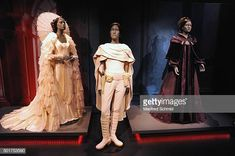 The original costumes for Star Wars character Princess Leia is on display in the 'STAR WARS Identities' exhibition press conference & photo call at MAK on December 2015 in Vienna, Austria. Star Wars Characters, Fictional Characters, Star Wars Costumes, Princess Leia, For Stars, Pretty Outfits, Identity, Cosplay, The Originals