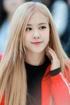South Korean Girls, Korean Girl Groups, Black Pink Kpop, Rose Bonbon, Rose Icon, Rose Park, Blackpink Photos, Cute Rose, 1 Rose