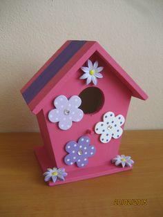 Deko+Vogelhäuschen+Farbe+pink+lila+mit+Blumen+von+FILZ_HOLZ_und_MEHR+auf+DaWanda.com