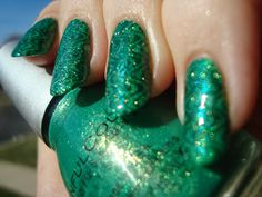 Sinful Colors Emerald Envy stamped with Sally Hansen Quick Jeanius - Cheeky Jumbo A plate *click for more*