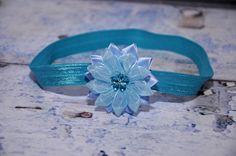 čelenka+-+modrá,+květ+ledově+modrý+-+průměr+květu+5cm,+střed+květu+zdobí+tyrkysová+kytička+-+čelenka+je+z+pružného+materiálu,+krásně+přilne+k+hlavičce+a++netlačí+-+šiji+podle+obvodu+hlavičky,+alepokudnevíte+a+chcete+čelenkou++překvapit+jako+skvělým+dárkem,+stačí+zadat+pouze+věk+dítěte Engagement Rings, Jewelry, Enagement Rings, Wedding Rings, Jewlery, Jewerly, Schmuck, Jewels, Jewelery