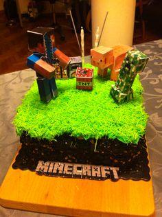 Minecraft (bolo de chocolate com recheio de creme framboesas e chocolate branco)