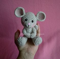 Crochet Morris the mouse by Janice Cyr. Free Ravelry download