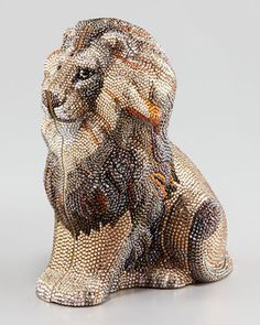 Judith Leiber New Lion Minaudière What fashionable lady doesn't want a lion minaudière? (That's a fancy word for a fancy purse.) This Judith Leiber piece has brass hardware and a metallic leather lining and is covered in Austrian crystals. Judith Leiber, Beaded Purses, Beaded Bags, Vintage Purses, Vintage Handbags, Unique Handbags, Neiman Marcus Christmas Book, Versailles, Sacs Design