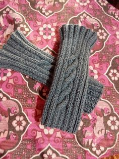 Fingerless Gloves, Arm Warmers, Lily, Textiles, Outfits, Collections, Clothes, Beautiful, Fashion