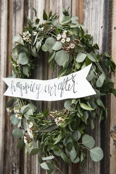 southern winter wedding wreath with flowers
