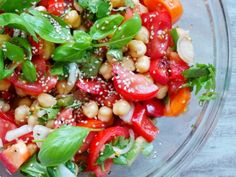 Healthy Tomatoes, Basil and Chickpea Salad - Vegan and Gluten-Free - Beauty Bites Vegan Dinner Recipes, Healthy Salad Recipes, Vegan Dinners, Vegetarian Recipes, Cooking Recipes, Easy Mediterranean Diet Recipes, Herb Salad, Chickpea Salad, Burger