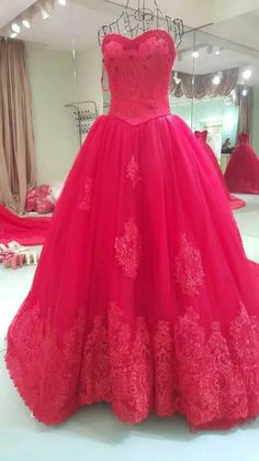 Sweetheart  red lace appliques ball gown