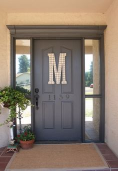 DIY Home Improvement On A Budget - Front Door Miracle - Easy and Cheap Do It Yourself Tutorials for Updating and Renovating Your House - Home Decor Tips and Tricks, Remodeling and Decorating Hacks - DIY Projects and Crafts by DIY JOY diyjoy.com/...