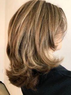 Rita',s Style! Brown Blonde Hair, Super Hair, Shoulder Length Hair, Great Hair, Hair Highlights, Hair Lengths, New Hair, Curly Hair Styles, Hair Makeup
