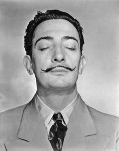 Salvador Dalí. Porque cuando sueño, trabajo. De hecho es mi momento más productivo.