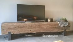 Rustic Tv Unit, Home Living Room, Living Spaces, Rustic Console Tables, Muebles Living, Oak Coffee Table, Sweet Home, Rack, Reclaimed Timber