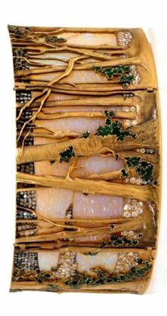 PLAQUE FOR THE WOODS CHOKER France, ca. 1898-99, Gold, opals, enamels and diamonds H. 5 cm; W. 12.5 cm Inv.° 1132 René Lalique (1860-1945)