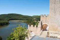 El castell va ser declarat bé cultural d'interès nacional. En l'estampa del nucli de Castellet, el castell ocupa una prominència rocosa a l'extrem de llevant del poble. El paisatge al voltant de l'embassament del Foix acaba de dibuixar la imatge del poble (Alt Penedès - Barcelona).