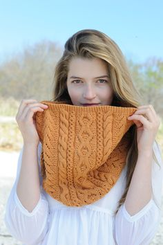 Another cabled cowl