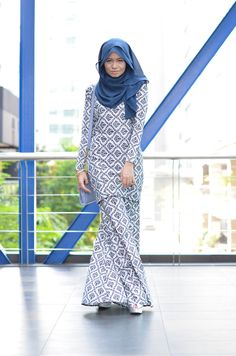 blue and white - looks like a simple pattern to sew. make the tunic a bit longer and wider, and it will look beautiful with a long blue khimar.