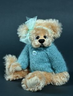 Daddy's girl - 13.5 inches. Created from mohair. #artistbear #artistbears #teddybear #teddy #handmade