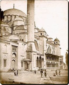 Süleymaniye Camii 1855 Islamic World, Islamic Art, Hagia Sophia, Art Poses, Historical Pictures, Istanbul Turkey, Art And Architecture, Old Photos, Taj Mahal