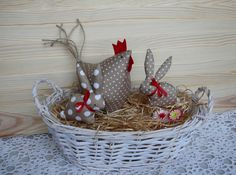 Sweet little fabric bunnies and chicken in a white basket for Easter. Diy Spring Wreath, Spring Crafts, Paper Flowers Craft, Flower Crafts, Bunny Crafts, Easter Crafts, Diy And Crafts, Arts And Crafts, Chicken Crafts