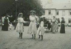 Marie, Olga and Anastasia in Germany visiting Hessian relatives