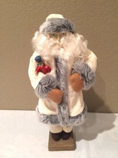 Beautiful Vintage Plastic  Face Cloth Santa by KMSCollectibles