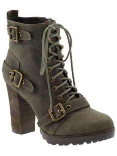 """""""hiker-like"""" boots"""