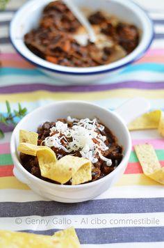 Chili vegetariano di fagioli neri _ al cibo commestibile