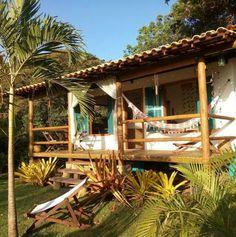 Pyramid House, Dome House, Bamboo House Design, Earthship Home, Jungle House, Cool Tree Houses, Hawaii Homes, Property Design, Tiny House Cabin