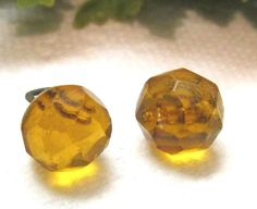 2 VICTORIAN FACETED TOPAZ GLASS CHARMSTRING BUTTONS K15