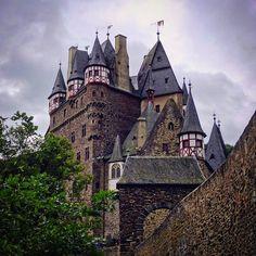 https://flic.kr/p/KAh5rC   #Relivingthemoments: 102  Burg Eltz  (#Wierschem,#2015)  #burgeltz,#RhinelandPalatinate,#Germany,#2016,#larkfilter,#Vignette,#Castle,#münstermaifeld,#europe,#travel  Made with: #Sonydschx300  (BY: #KJVW 2015-2016)   #Beentheredonethat