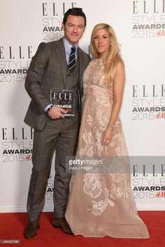 Luke Evans and Ellie Goulding pose in the Winners room with his award... Fotografia de notícias | Getty Images