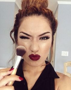 love the dark lip